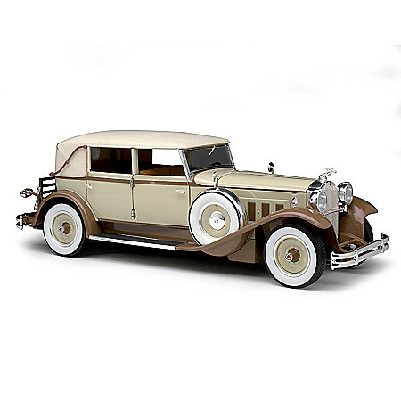 1:18-Scale 1930 Packard Brewster Diecast Car