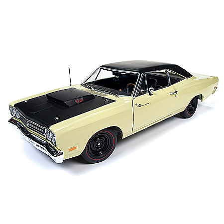 1:18-Scale 1969 Plymouth Roadrunner Coupe Diecast Car