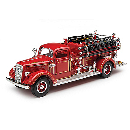 1:24-Scale 1938 Mack Type 75 Diecast Fire Engine