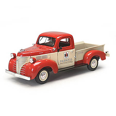 1:24-Scale 1941 Plymouth Diecast Tribute To Farmall's Legacy