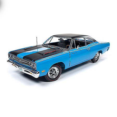 1:18-Scale 1969 Plymouth Road Runner Hard Top Diecast Car
