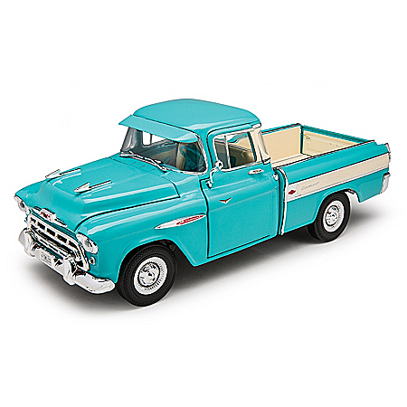 1:18-Scale 1957 Chevrolet Cameo Two-Tone Diecast Truck