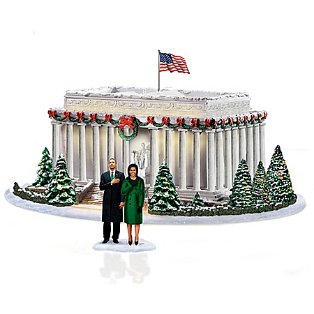 Washington, DC At Christmas Lincoln Memorial Illuminated Sculpture