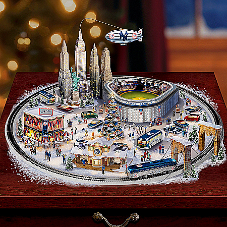 Home Decor Collectibles New York Yankees Baseball Fever Village Collection: MLB Christmas Home Decor