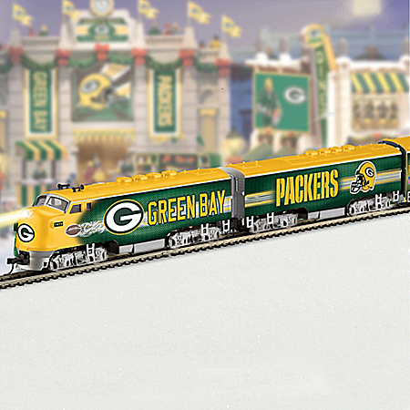 Green Bay Packers Electric Train With Lighted Locomotive
