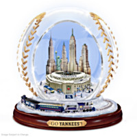 New York Yankees Commemorative Crystal Baseball Figurine