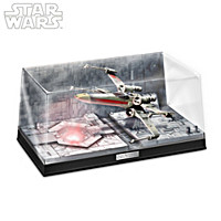 STAR WARS Luke Skywalker's X-Wing Starfighter Sculpture
