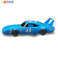 1:24-Scale Richard Petty 1970 Plymouth Superbird Diecast Car