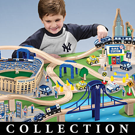 Officially Licensed NY Yankees Wooden Train Play Set