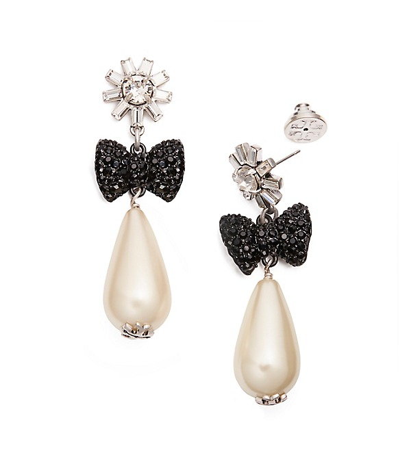 Stunning statement earrings for holiday parties