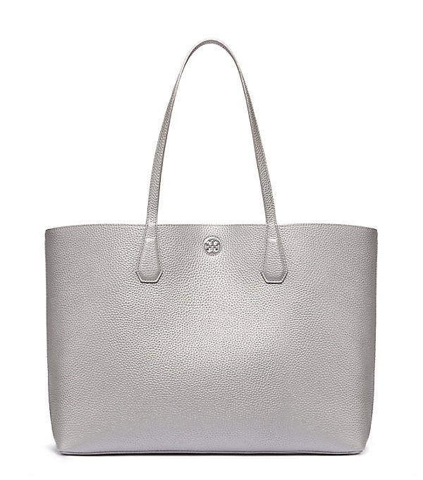 Love this classic Tory Burch tote