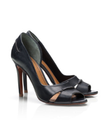 Beatrice d'Orsay Pump