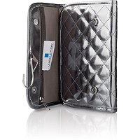 La Roche PosayFREE Multi-compartment travel bag with any $50 La Roche-Posay purchase