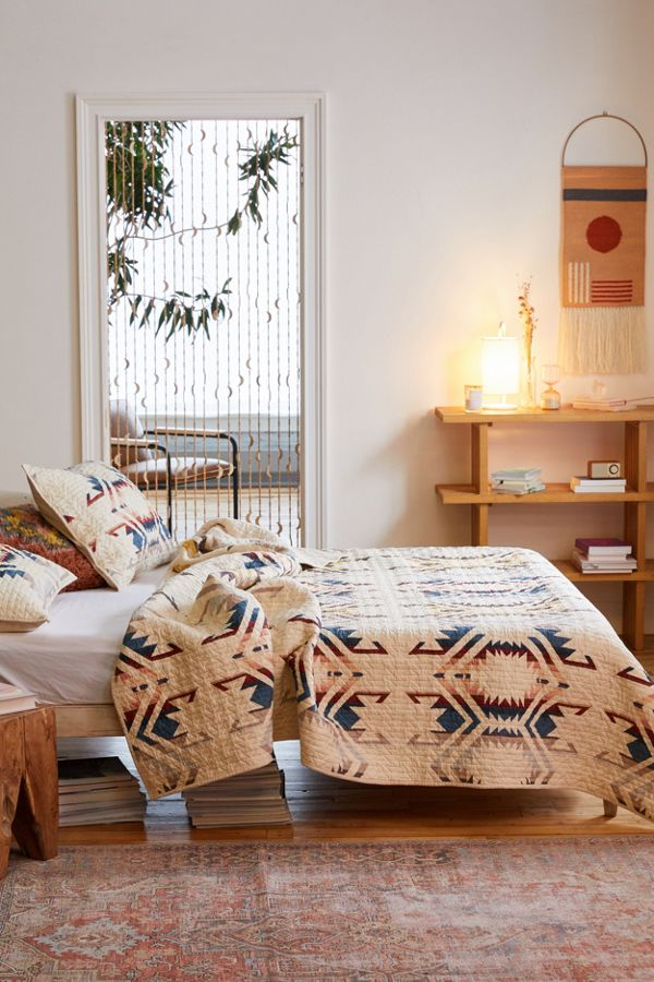 Pendleton White Sands Quilt Set | Urban Outfitters