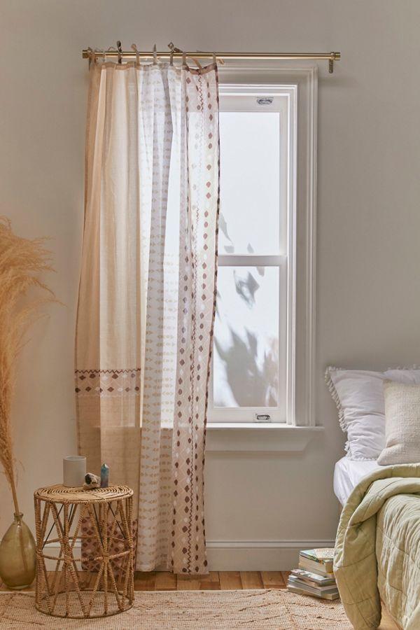 Slide View: 1: Jovita Window Panel