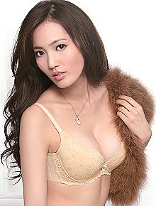 Wacoal Taiwan: Deep V Push Up Bra NB4695