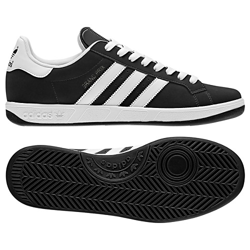 image: adidas Grand Prix Shoes G56615