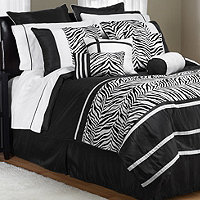 Laken Black / White Queen 30pc Comforter Super Set