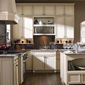Spencer PureStyle™ Laminate Amaretto Crème Kitchen Cabinets
