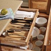 Armoire de plancher à 2 tiroirs avec tablette coulissante et unité de rangement à chevilles