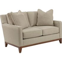 Quinn Loveseat