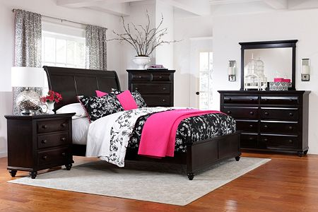 Farnsworth Sleigh Bed