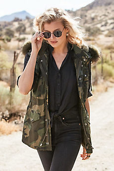 Alexis Camouflage Vest with Rabbit Fur Lining and Raccoon Fur Trim