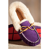 Women's Acorn Moxie Sheepskin Moccasin Slippers, Violet, Size 6 Western & Country