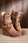 Women's Savina in Italy Leather Boots with Shearling Lining