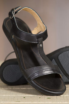 Women's Olukai Hi'ona Leather Sandals
