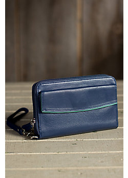 Going Out Argentine Leather Wristlet