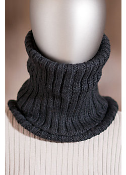 Women's Handmade Wool Neckwarmer