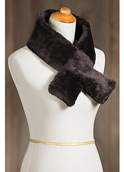 Women's Sheepskin Pull-Through Scarf