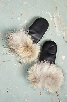 Women's Lambskin Leather Mittens with Coyote Fur Trim