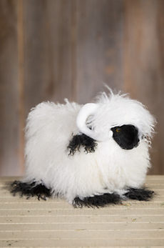 Overland Valais Blacknose Curly Lamb Fur Sheep