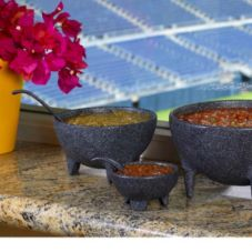 Bugambilia MJS02GB Granite Black 18-2/3 Oz Molcajete With Spoon