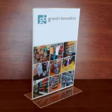 Grand & Benedicts 223-1168 Clear Bottom Load 2-Sided Sign Holder