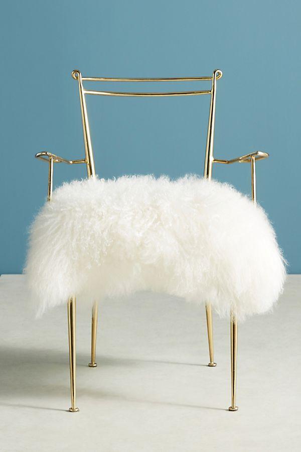 Fabulous Shag Puff Dressing Chair Creativecarmelina Interior Chair Design Creativecarmelinacom
