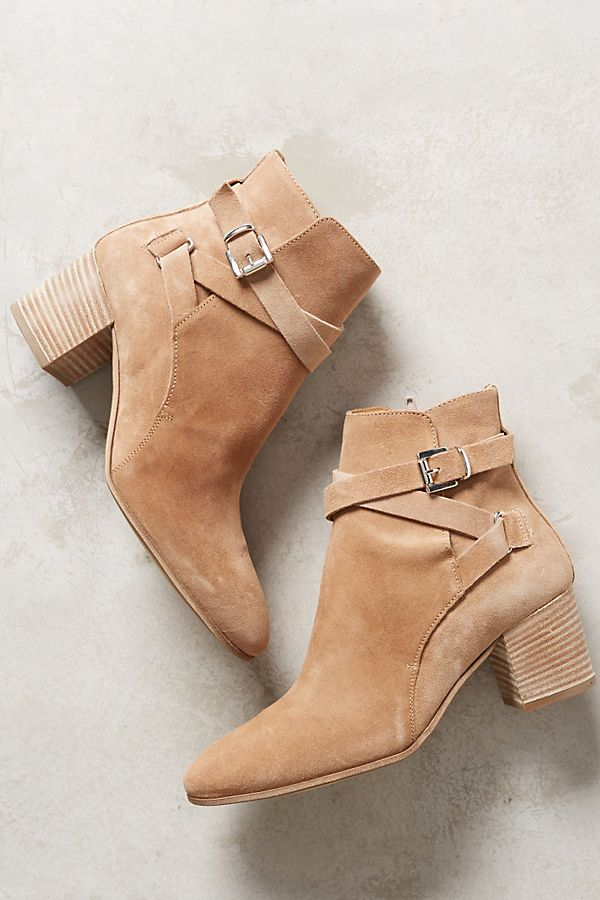 the latest 5762f d1468 Alba Moda Natural Booties