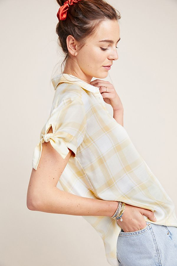 Slide View: 1: Paige Avery Buttondown