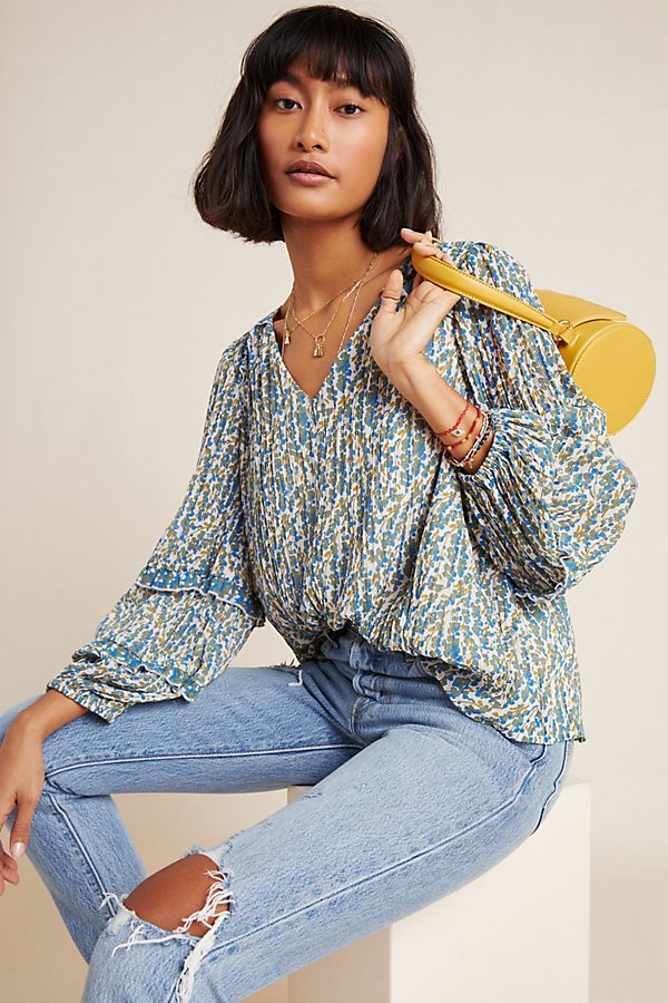 Slide View: 1: Avery Pleated Peasant Blouse