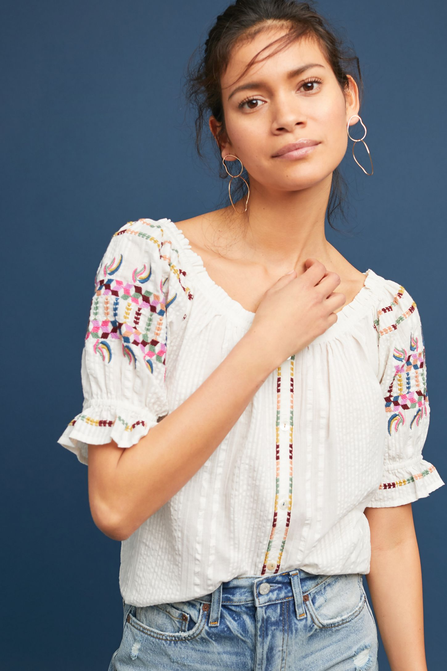 4dfeac3028b64 Pajaro Embroidered Blouse