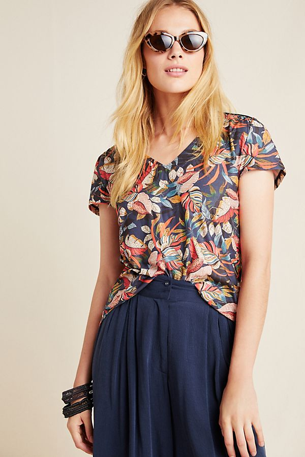 Slide View: 1: Serra Floral Top