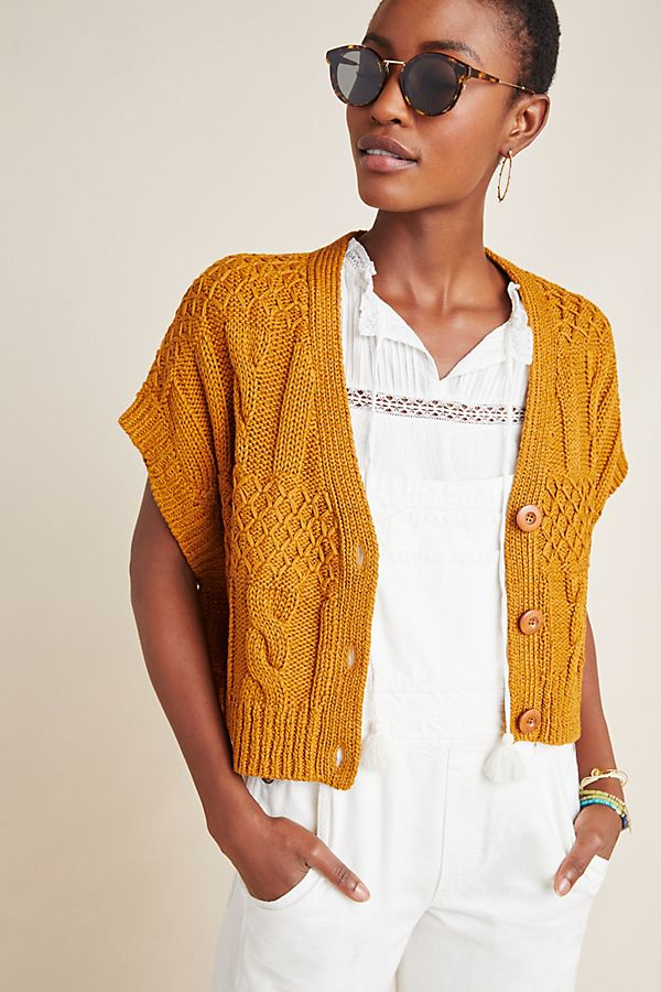 Slide View: 1: Cropped Cable-Knit Cardigan