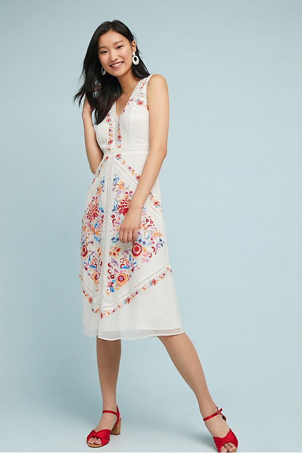 b7799efdc15e8b Billie Embroidered Dress