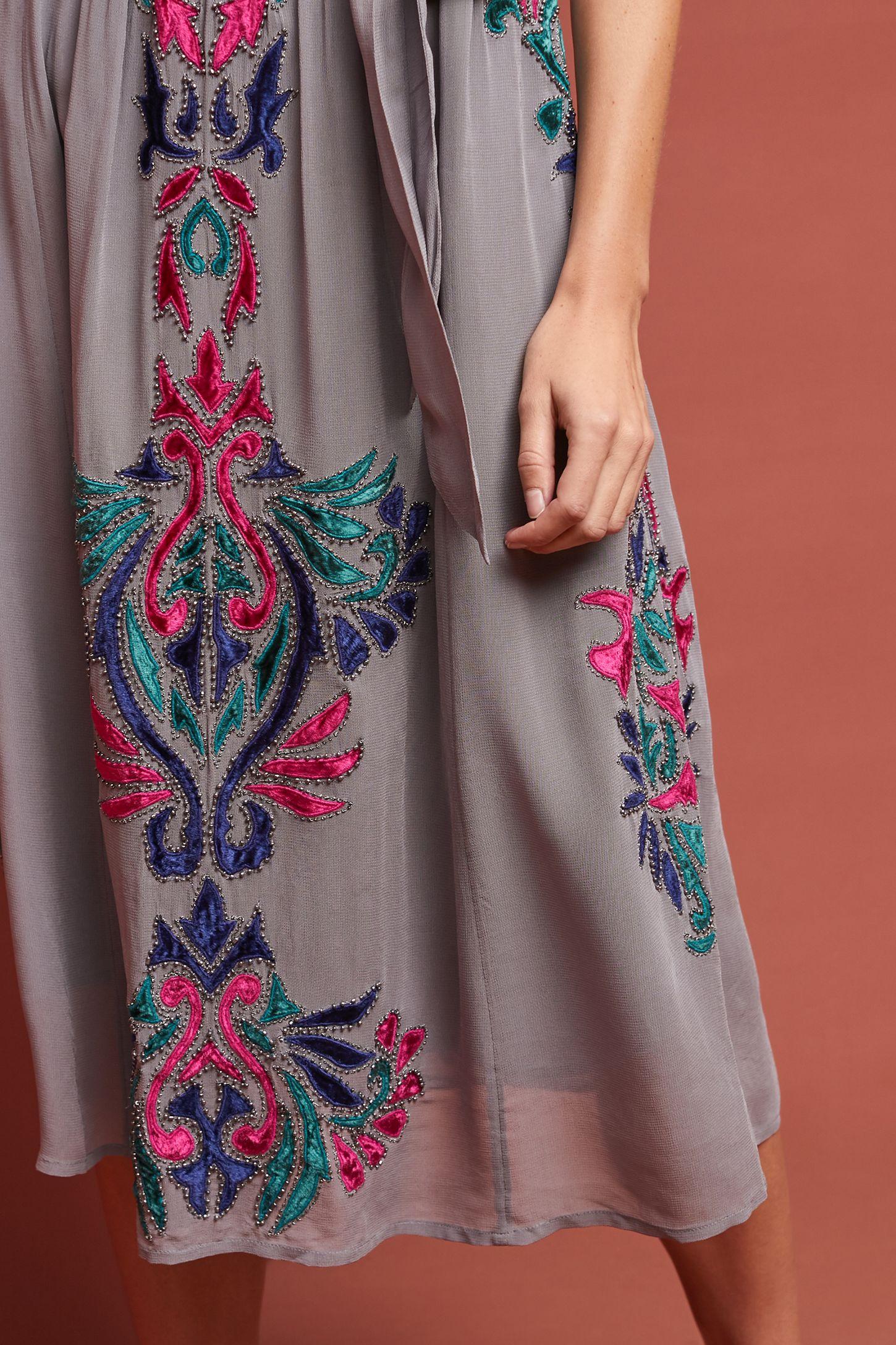 29ab384fed8 Slide View  4  Amy Velvet Maxi Dress