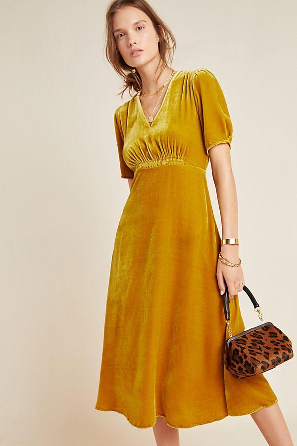 Slide View: 1: Sonrisa Velvet Midi Dress