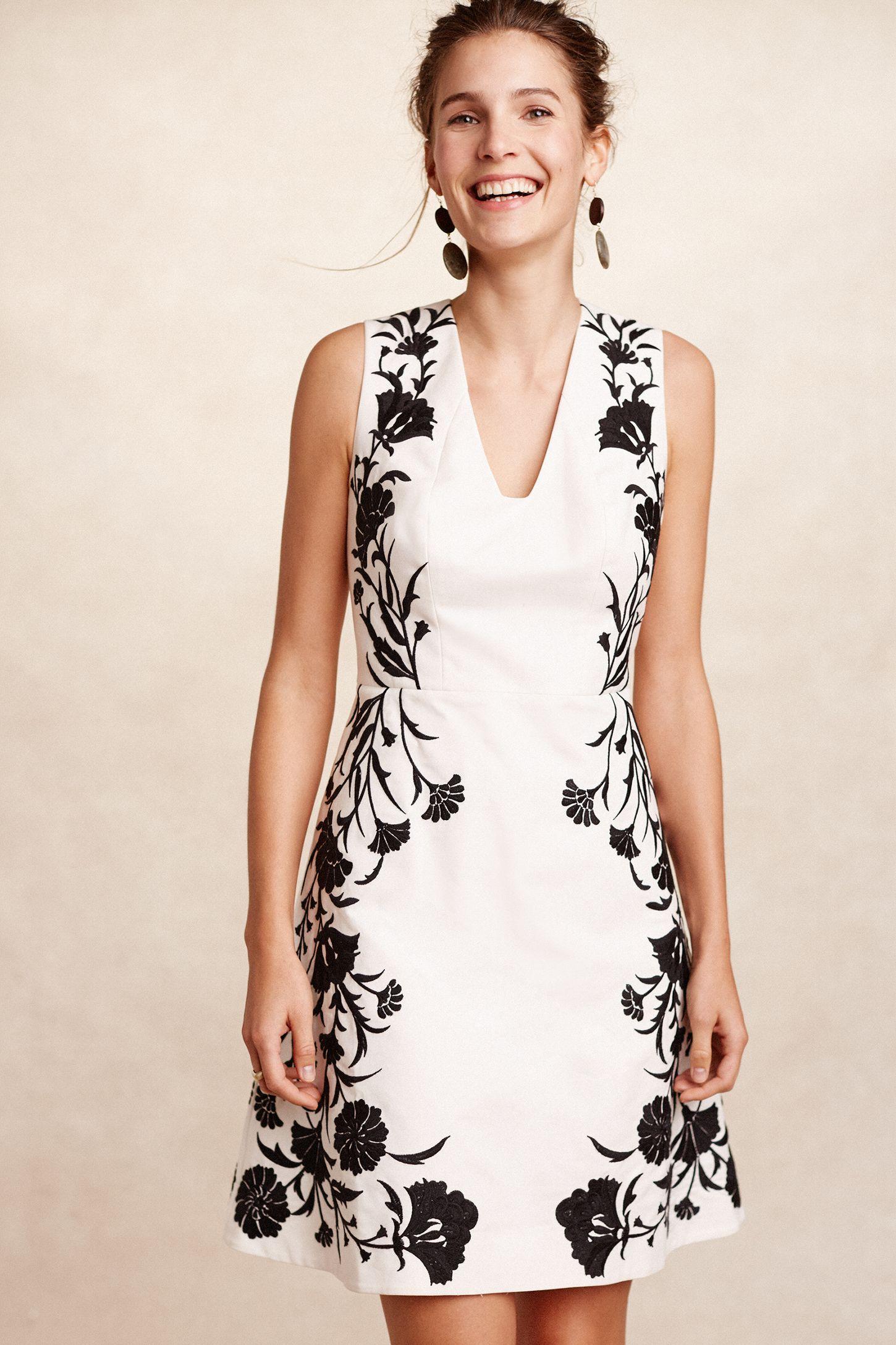 8c4ee381637 Embroidered Bellflower Dress