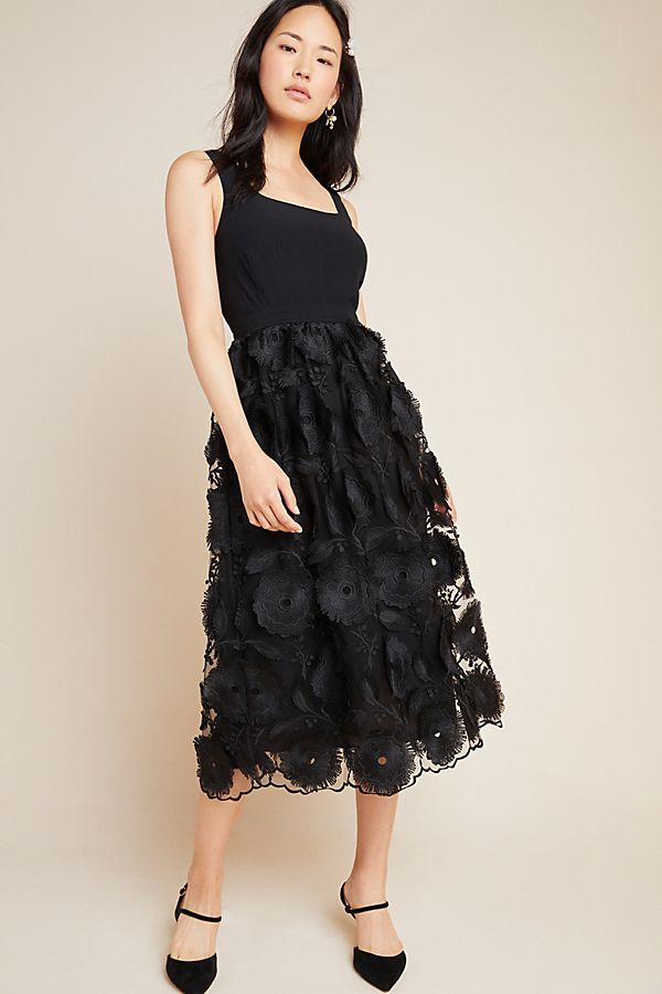 Slide View: 1: Floriana Lace Midi Dress