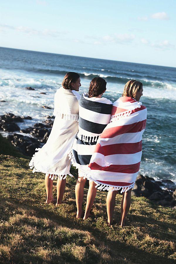 Slide View: 3: Cabana Round Beach Towel
